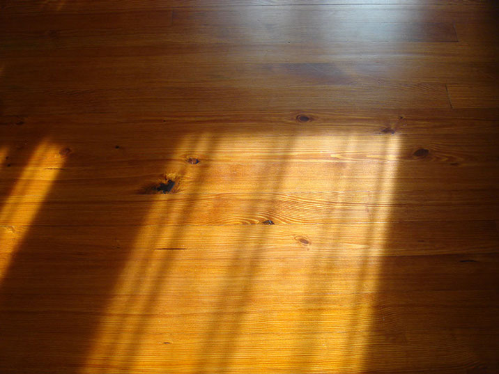 Stained, Quarter Sawn Heart Pine Floor in Great Room